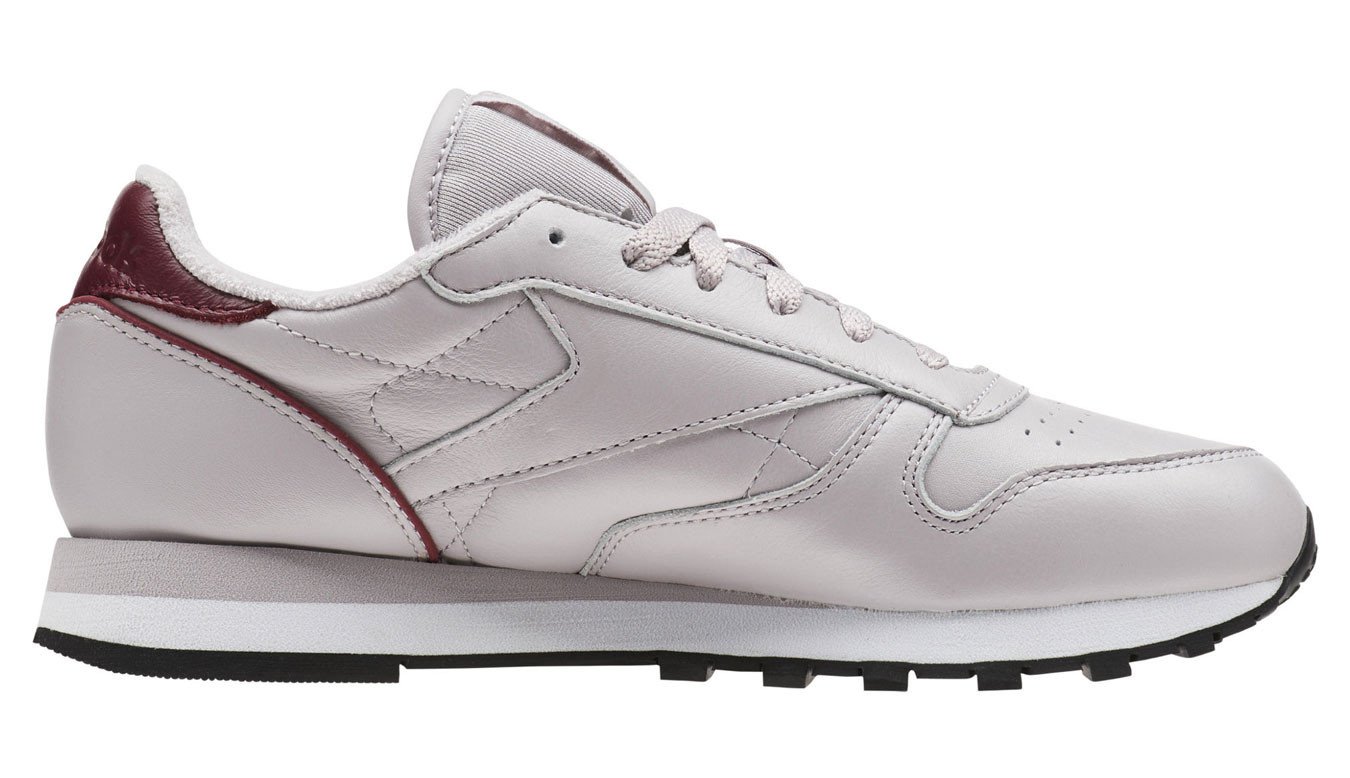 online store c615d 547f1 Reebok Classic Leather Lavender